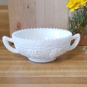 💖💖Imperial Glass Double Handled Nappy